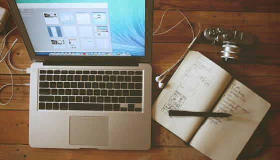Bild Schreibtisch